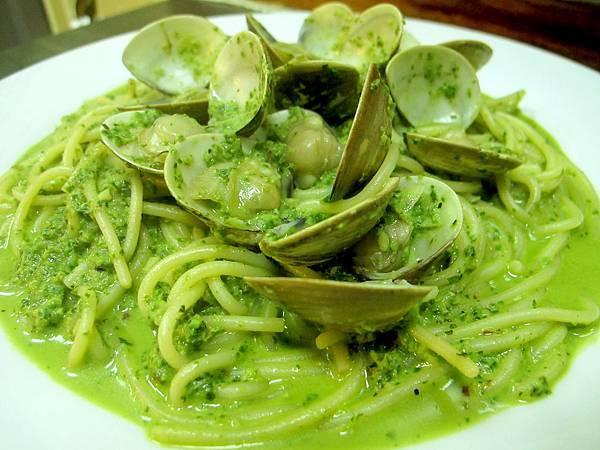 巷子美食館-奶油青醬蛤蜊麵-a