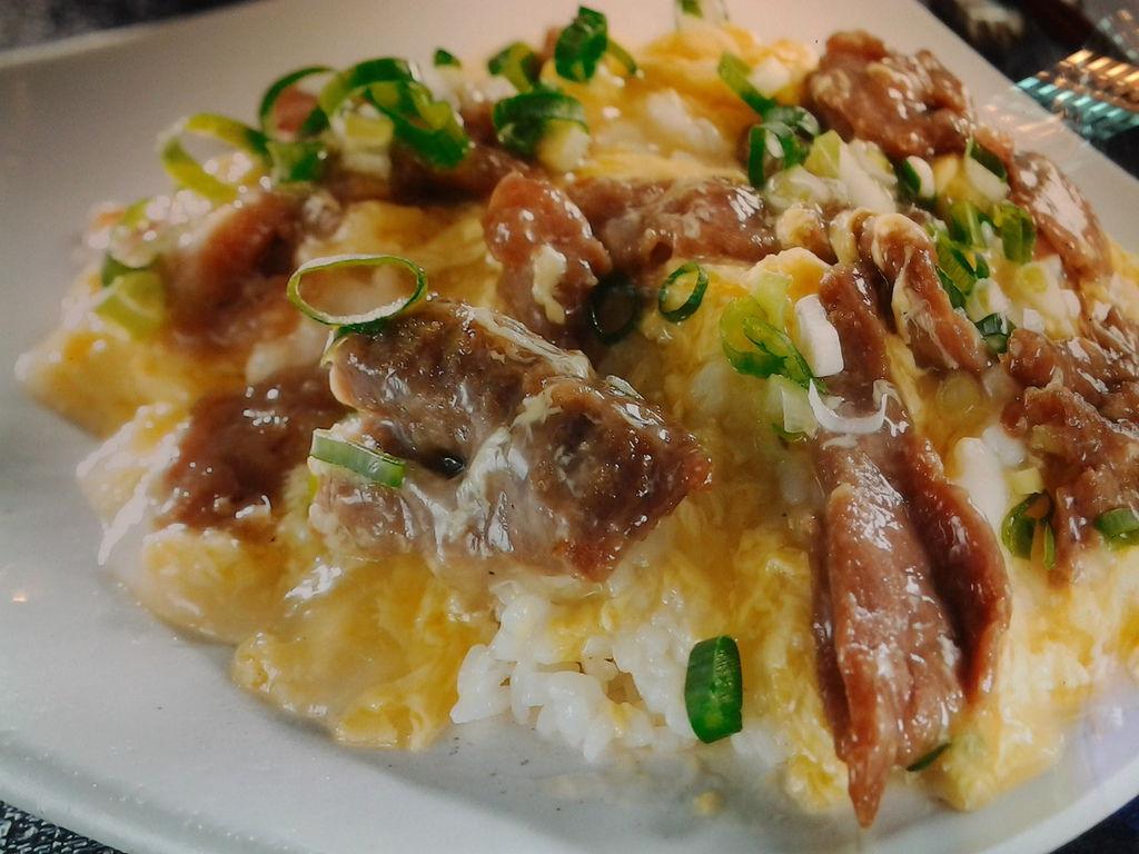 龍華燒臘 (7)-滑蛋牛肉飯
