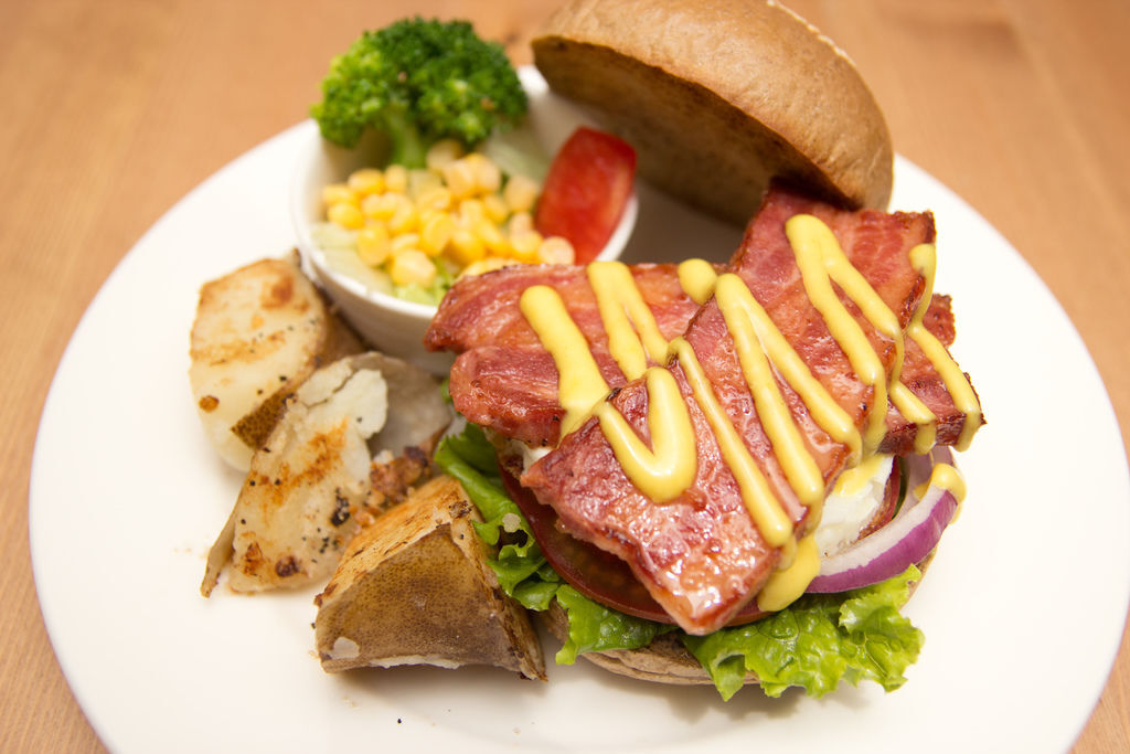 BBQ手打牛肉堡1