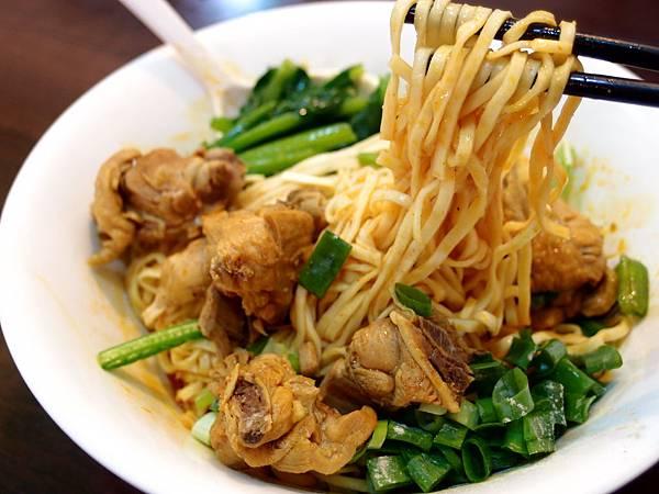 咖哩雞乾麵 (8)