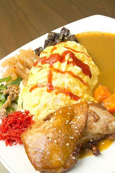 蜜汁雞腿咖哩蛋包飯