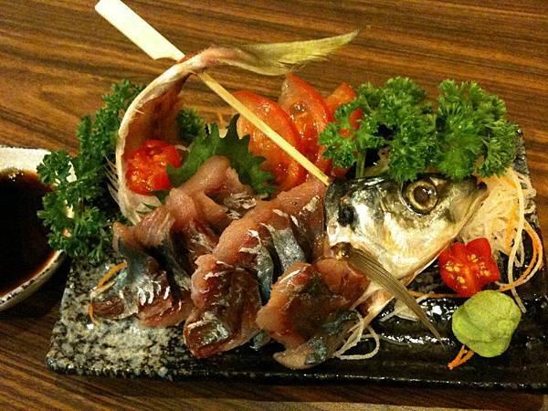 狩の居食屋-竹筴魚生魚片