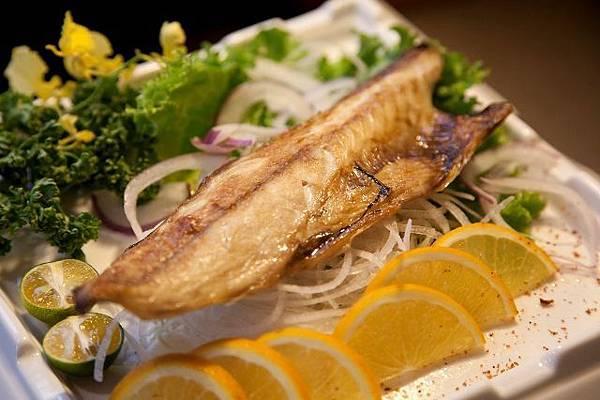 老地方碳燒_鹽烤鯖魚