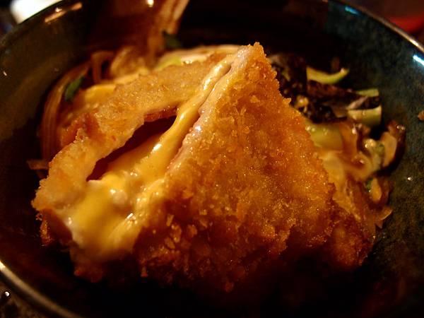藍帶豬排丼 (2)