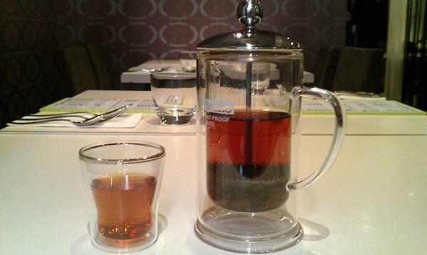喜樂咖哩-熱紅茶