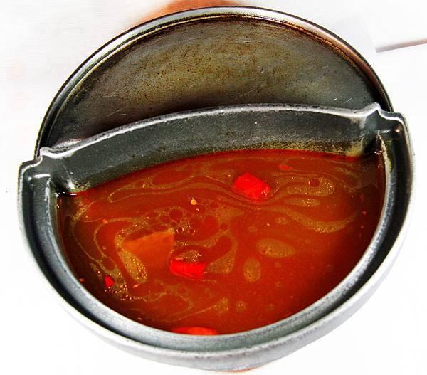 鼎鱻燒肉火鍋 - 川蜀麻辣湯底