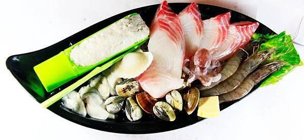 鼎鱻燒肉火鍋 - 海鮮盤