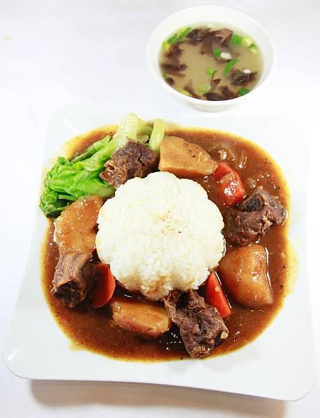 小伍牛肉麵-牛肉燴飯