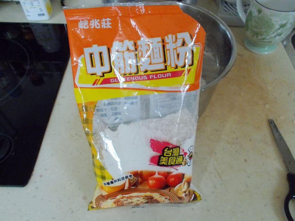 01作饅頭材料,中筋麵粉
