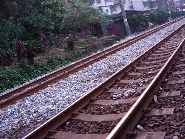 暖暖的鐵道