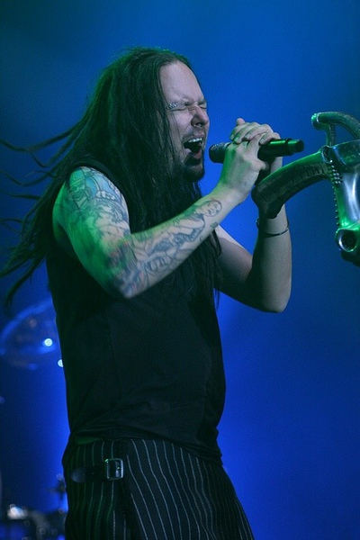 Jonathan Davis in Prague.jpg