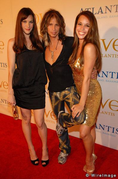 Chelsea Tallarico and Liv Tyler 2.jpg