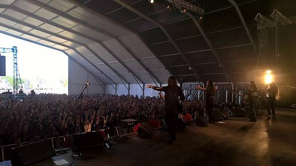 Onslaught at Hellfest 2015.jpg