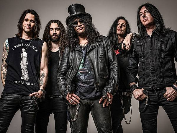 Slash featuring Myles Kennedy and The Conspirators.jpg