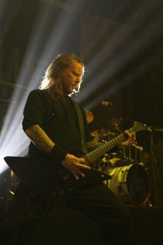 代打的吉他手Niklas Engelin.jpg