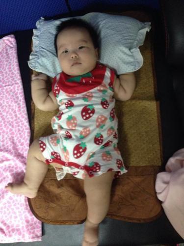 小寶滿四個月了