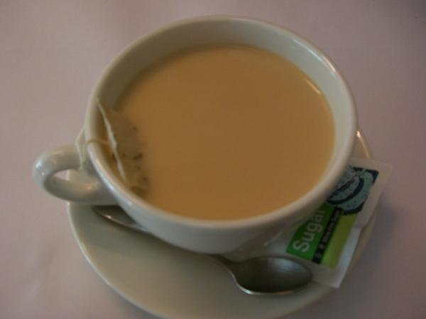 附餐飲料:熱奶茶
