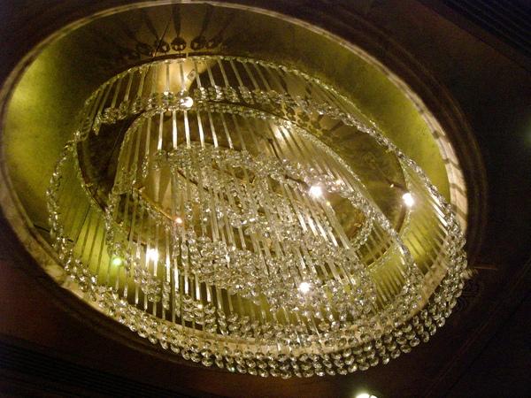 050電梯內水晶燈.JPG