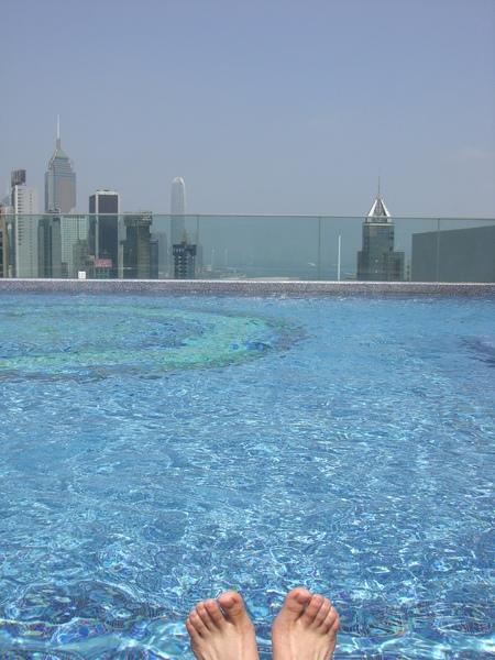 423飯店泳池.JPG