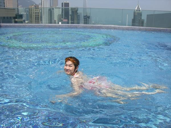 426飯店泳池.JPG
