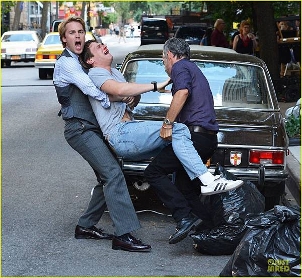 taylor-kitsch-carries-a-crying-man-for-normal-heart-03.JPG