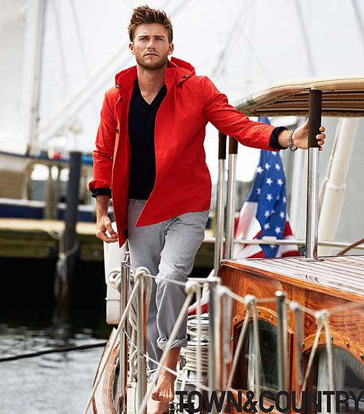rs_634x721-140102071629-634.Scott-Eastwood-Town-Country-Boat.jl.010214.jpg
