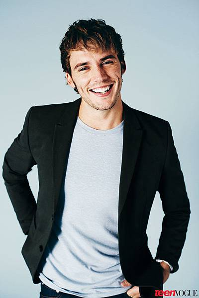 sam-claflin-the-hunger-games-06.jpg