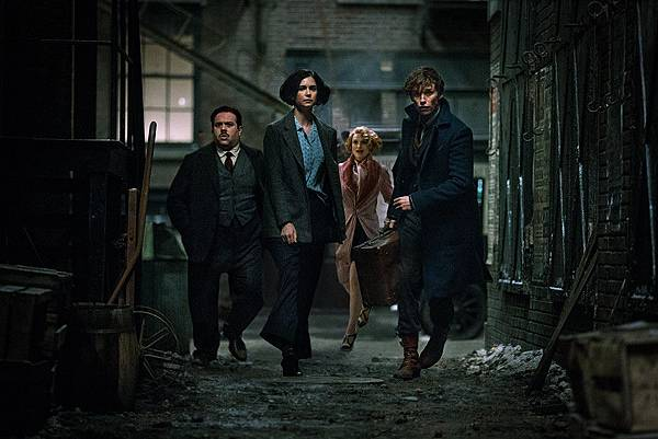 rs_1024x683-161111052810-1024.fantastic-beasts-and-where-to-find-them.111116-1024x683.jpg.jpg