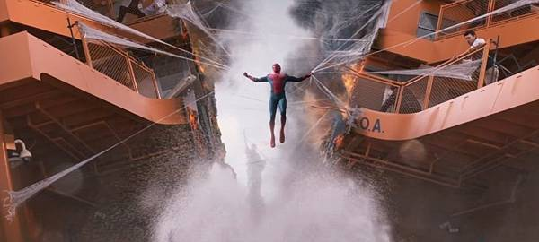 Spider-Man-Homecoming-boat-e1481289459942.jpg