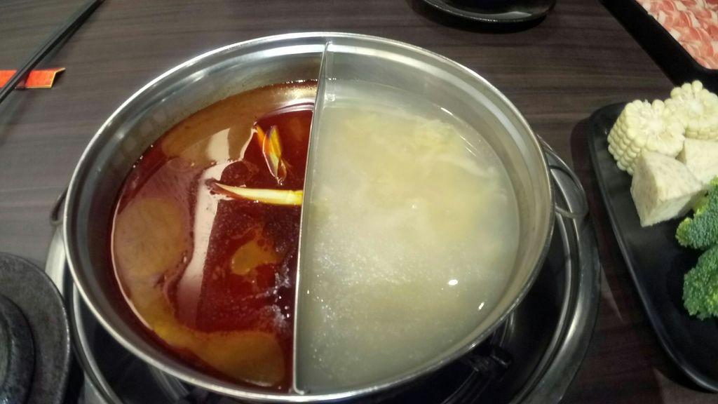 麻辣+酸菜白肉.jpg