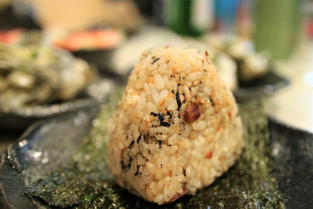 烤鮭魚飯糰 (1).jpg