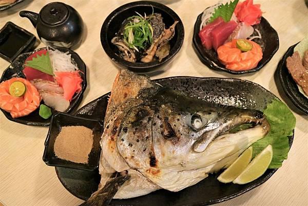 烤鮭魚頭 (5).jpg
