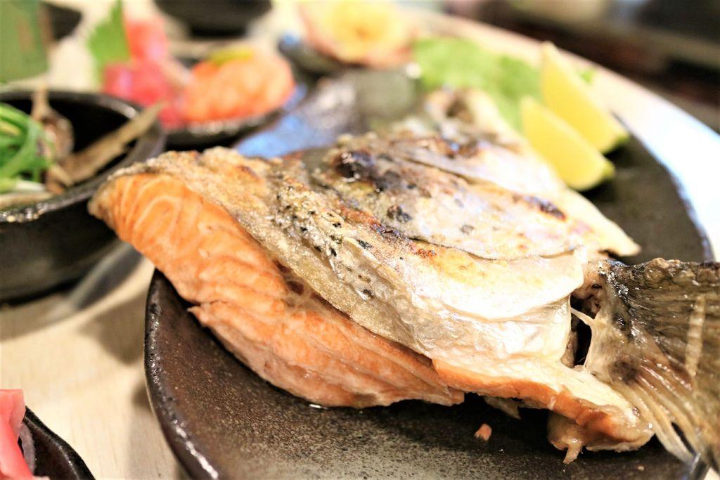 烤鮭魚頭 (4).jpg