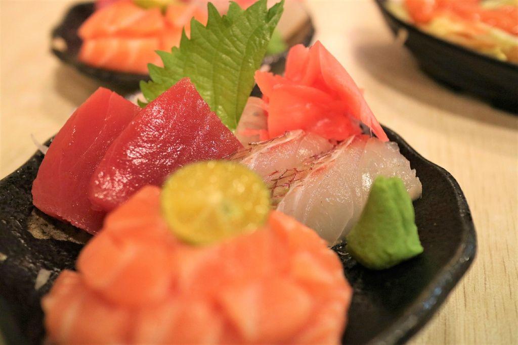 綜合生魚片 (1).jpg
