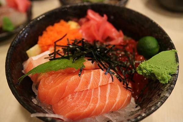 鮭魚親子丼.jpg