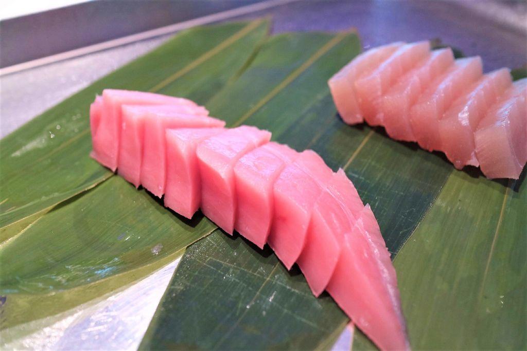 兩種生魚片 (2).jpg