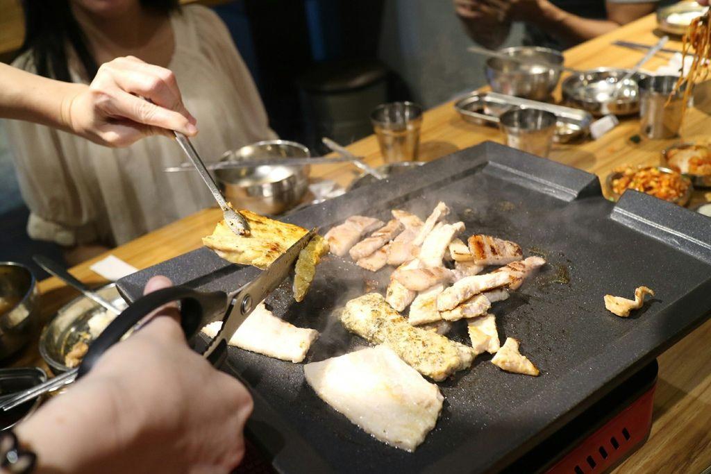 八色上烤盤 (3).jpg