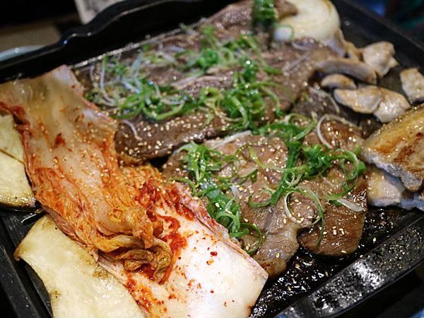 烤肉-泡菜.JPG