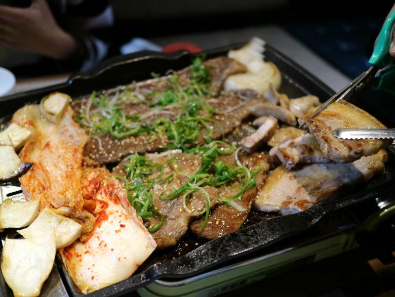 烤肉-桌邊服務 (1).JPG