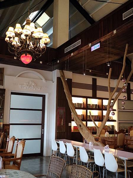 餐廳採光 (2).JPG