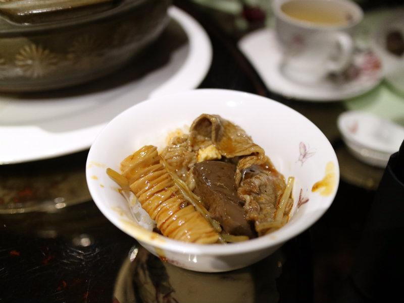 重慶水煮牛配飯 (2).JPG