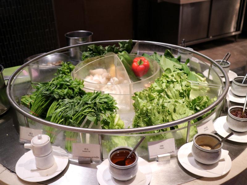 牛肉麵-青菜.JPG