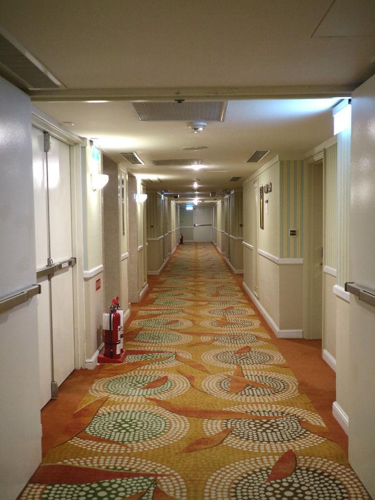 房外走廊.JPG