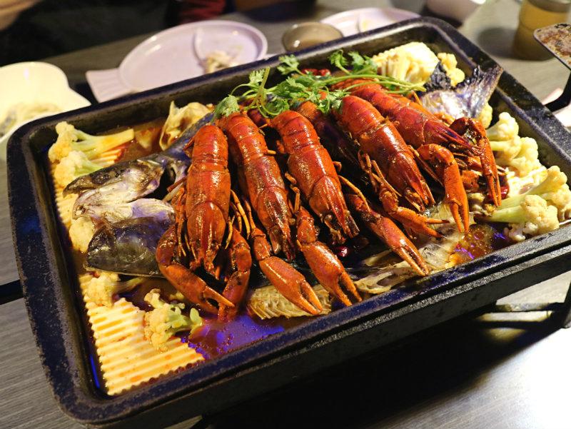 小龍蝦烤魚 (2).JPG