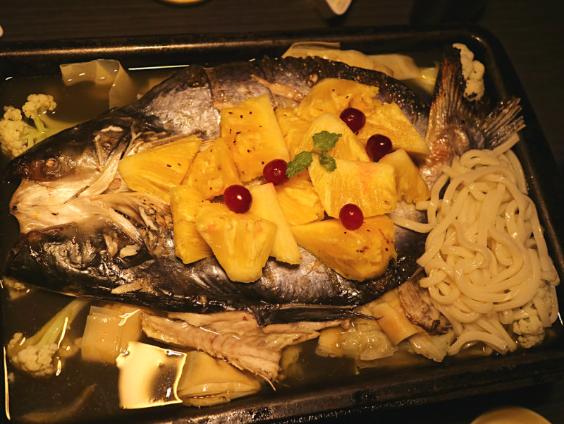鳳梨野莓烤魚 (5).JPG