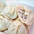 偉園鮮肉湯包 - 016.jpg