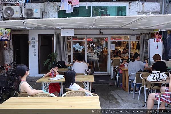 islandworkbenchcafe_03.jpg