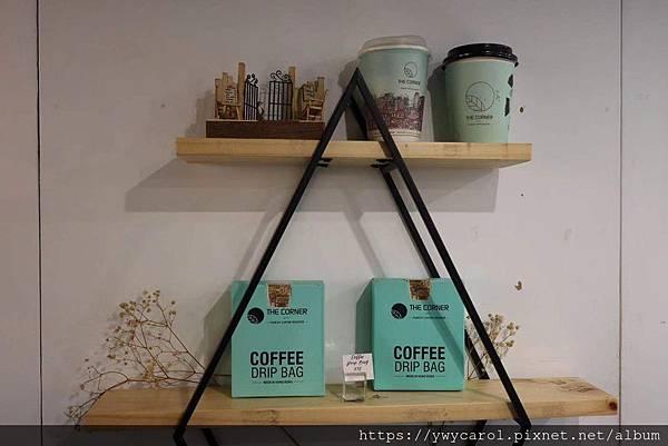 cornercoffee_04.jpg