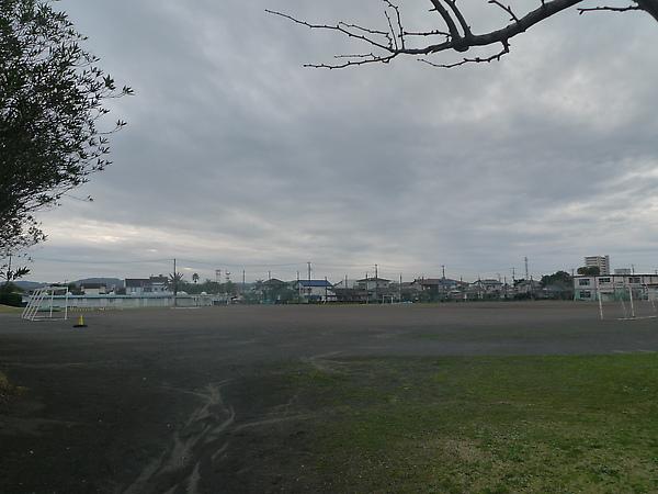 三中足球場