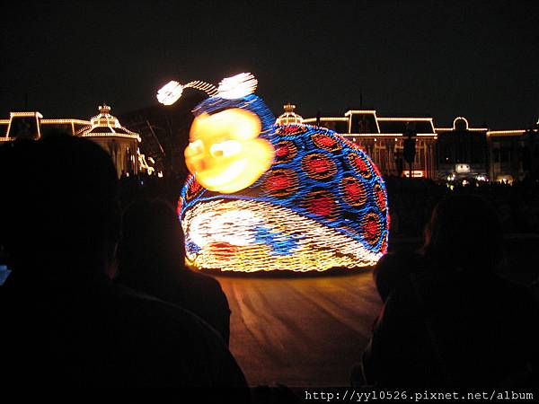 東京迪士尼-花燈遊行4.JPG